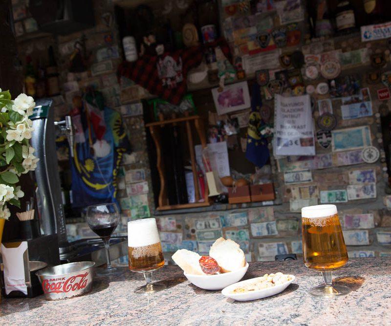Bar Cafeteria El pilar, desayunos y comida de Peregrino en Rabanal del Camino, Albergue El pilar