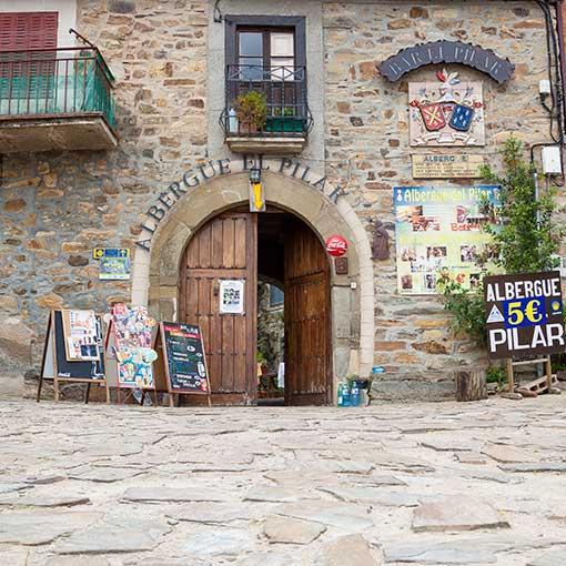 Rabanal del Camino, Albergue El Pilar, entrada