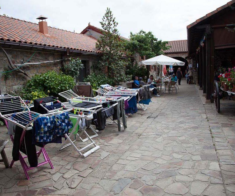 patio_rabanal_del_camino_albergue_el_pilar_7