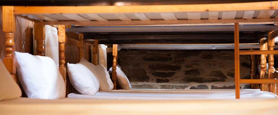 abanal-del-camino-albergue-el-pilar-habitacion-compartida
